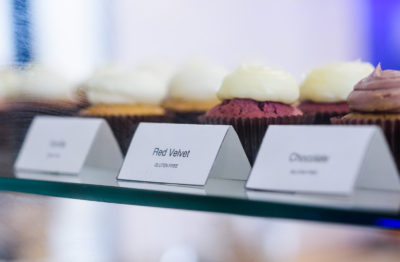"""Blue Jay's Bakery cupcakes """"red velvet - Gluten free"""" sign"""
