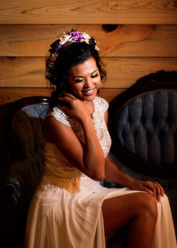 Michelle on the couch in the bridal suite close up, Ates Ranch Wedding Barn, Rustic Barn Wedding, Pensacola wedding photographer, Lazzat Photography