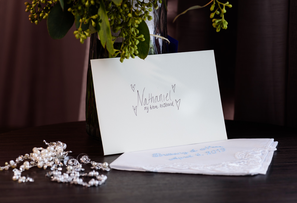 Bride's note to her Groom, Holiday Inn Express Pensacola Downtown, Classic Pensacola Wedding, Lazzat Photography, Florida Wedding Photographer
