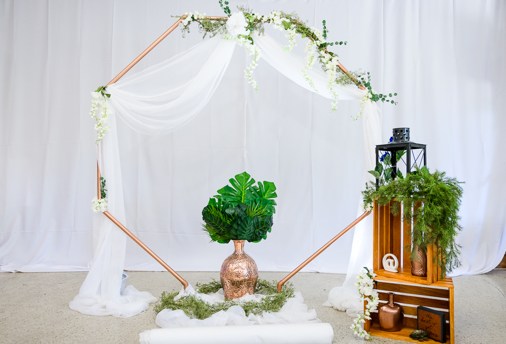 DIY Geometric gold octagon with greenery alter, The Garden Center, Pensacola Garden Wedding, Lazzat Photography, Florida wedding photographer photography
