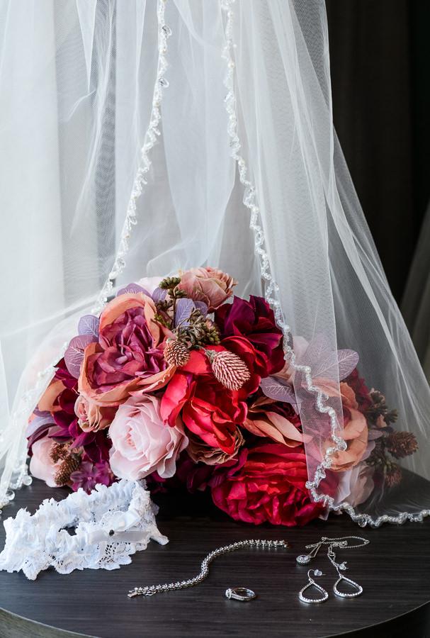Bride's details, Holiday Inn Express Pensacola Downtown, Pensacola Summer Wedding, Lazzat Photography