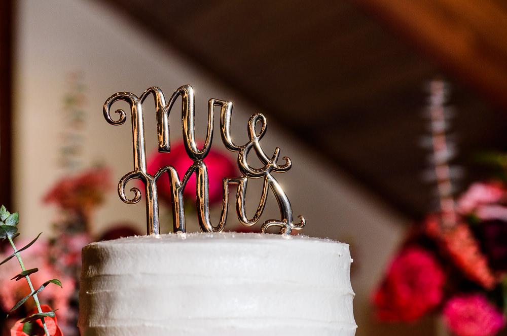 Mr & Mrs wedding cake topper, Palafox Wharf Pensacola Wedding, Orlando Florida Wedding photographer, Lazzat Photography